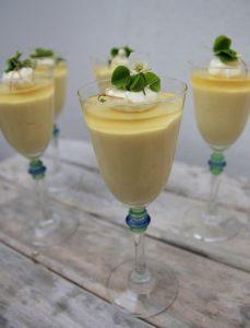 Citronfromage med limegele og skovsyre
